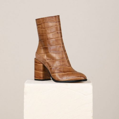 Crocodile Boots Are Snakeskin Boots' Trendy Little Sister