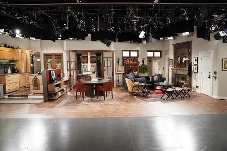 "Universal Studios adds ""Will & Grace"" set visits to its behind the Scenes VIP experience"