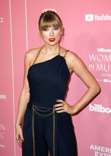 Taylor Swift Slams Toxic Masculinity As Billboard's Woman Of The Decade