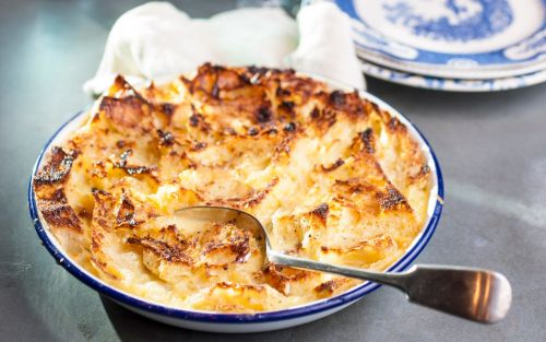 Traditional bread and butter pudding recipe - perfect for all the family