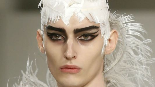 The Beauty Look at Maison Margiela's Fall 2019 Show Channeled a Deranged 'Swan Lake'