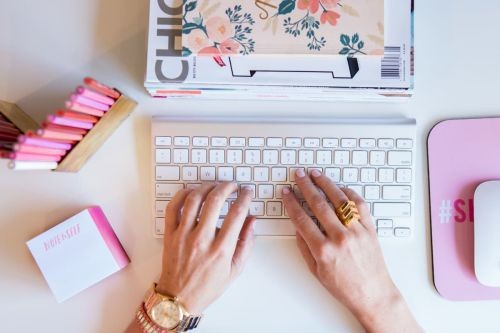Skirt PR Is Hiring An Assistant Account Executive, Influencer Partnerships In Chicago Or Remote