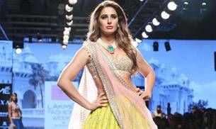 Lakme Fashion Week 2017: Nargis Fakhri looked utterly sensual on the runway