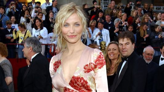 Great Outfits in Fashion History: Cameron Diaz in Emanuel Ungaro at the 2002 Oscars