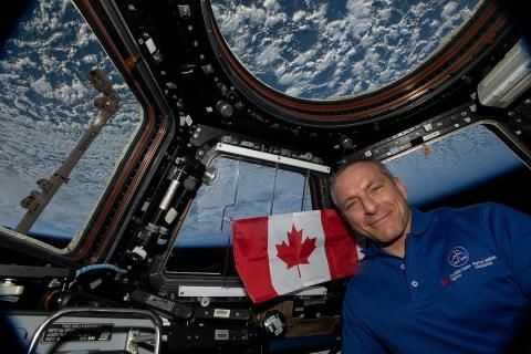 Checking in with David Saint-Jacques in orbit