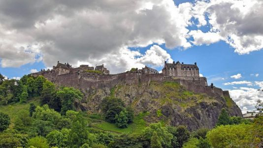 Tales of Edinburgh Castle: A Local Historian Explores Its Folklore