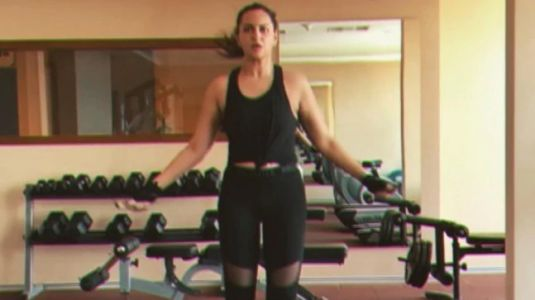 Sonakshi Sinha skips lazy Sunday vibes in tank top and sheer tights at gym. Watch video