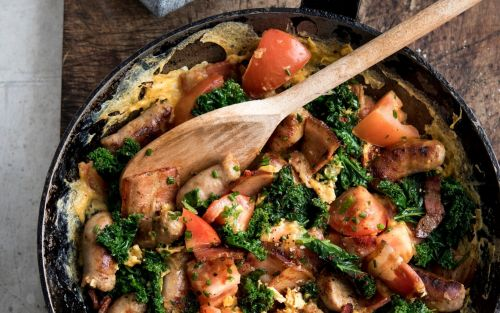 One-pan egg, bacon and tomato scramble recipe