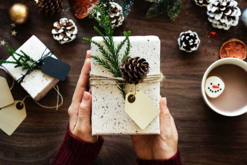 Gifts Under $25 for the Travel Lover