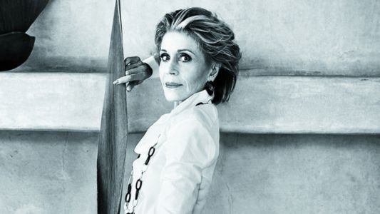 An Unretouched Jane Fonda Covers 'Town & Country''s November Issue