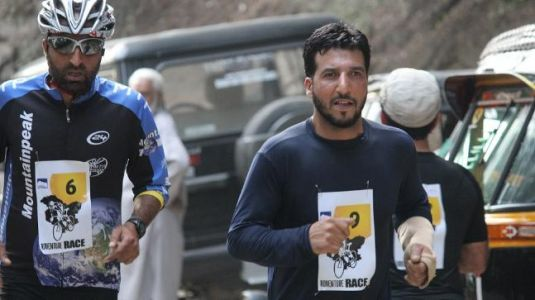 J-K Tourism kicks off Srinagar Adventure Race with more than 100 participants