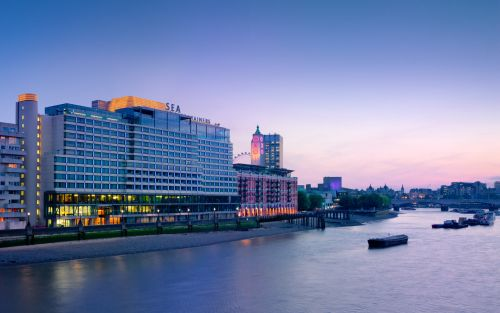 South Bank hotel to become luminous artwork for Lumiere London 2018