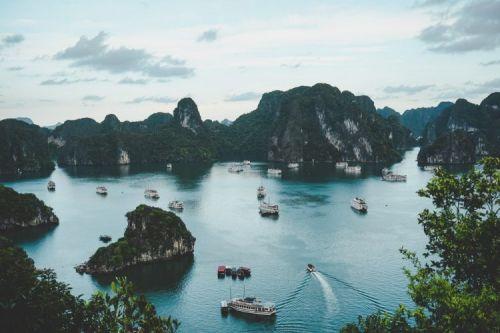 Best 13 Islands & Places for your Perfect Halong Bay Tour