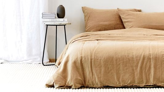 What You Need To Know Before Buying Sheets + Six Of Our Favourite Online-Only Sets