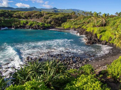 17 Stunning Road to Hana Stops & Why You Should Stay in Hana, Maui