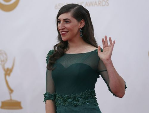Mayim Bialik fires back at Weinstein op-ed critics: 'It's so sad how vicious people are being'