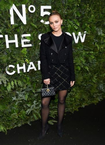 Lily-Rose Depp's All-Black Chanel Ensemble Suddenly Has Me Believing in Holiday Miracles