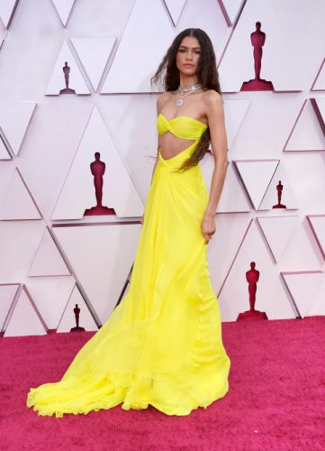 Zendaya's Sunshine Yellow Oscars Dress Featured A Mega-Sexy Cutout