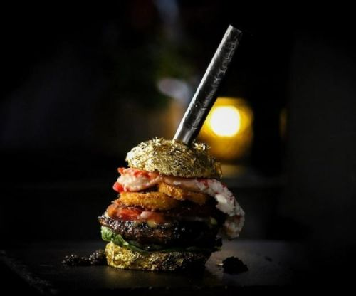 """""""Golden Boy"""" Is the World's Most Expensive Burger"""