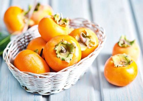 How to tell when a persimmon is ripe PLUS and easy persimmon cake recipe
