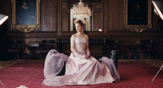 The dresses in 'Phantom Thread' are gorgeous, but not dazzling - and that's the point