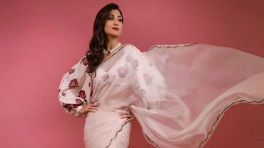 Shilpa Shetty is elegance personified in Rs 30k embroidered silk saree