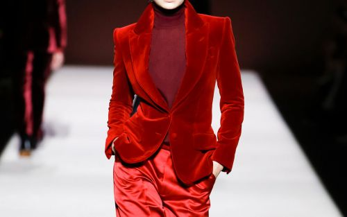 NYFW highlights, silver's spotlight at the Grammys, and more fashion news