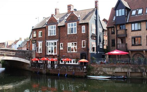 The Ribs of Beef, Norwich, pub review: people-watching on the Wensum